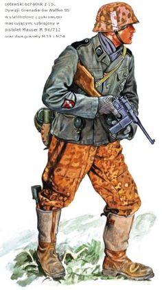 Waffen SS - SS-Mann, 15. SS-Granadier Division (1a Lettone) armato con Pistola Mauser M 96/712