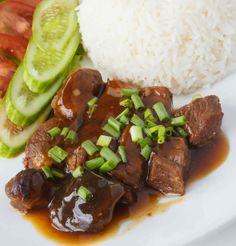 Sweet pork seasoned with chili/Makeaa seesamipossua
