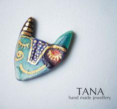 Broche en céramique chat multicolore avec de l'or. par Tanaart, $37.00