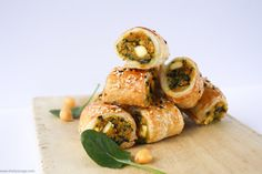 Vegetarian sausage rolls never tasted so good! Spinach, chickpea and sweet potato make a wonderful combination in these tasty pastry rolls.
