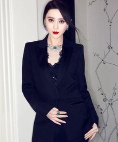 Fan BingBing at the Cartier Magicien High Jewelry Exhibition in Shanghai My Fair Princess, Li Bingbing, Jewellery Exhibition, Chinese Actress, Colourful Outfits, Elegant Woman, Boss Lady, Asian Beauty, Style Icons