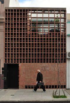 Brick House, Provincia di Buenos Aires, 2011 - Ventura Virzi arquitectos