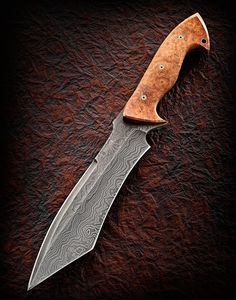 Jerry Hossom Knives :: meteorite damascus w amboyna burl
