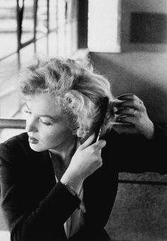 "marilyn-monroe-collection: "" Marilyn Monroe on the set of Niagara, 1953. """