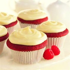 Vanilla Pudding Cupcakes - 78 cal/each! Def. want to try.