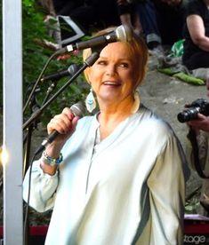 Eilisen Helsinki valokuvissani: Kumpulan kyläjuhlat 2016: Katri Helena 28.5.2016 Helsinki, 1980s, Photography, Photograph, Fotografie, Photoshoot, Fotografia