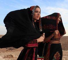 Palestine | Women in traditional dress. Ramallh, Est Bank. | ©Osoma Silwadi