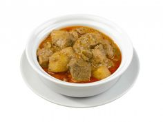 Massaman Karry (massaman curry) - Lav thai mad – Min personlige favorit. Jeg elsker massaman karry og det gør resten af huset også. Den er også en stor succes når der er gæster. Massaman karry stammer fra det sydlige Thailand og er oprindeligt en muslimsk ret. Den kan laves med alle slags kød (om end muslimerne nok aldrig vil serverer den med svinekød)... #cashew #karry #kartofler