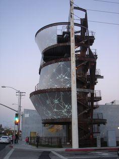 samitaur tower_Eric Owen Moss