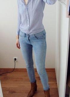 Kup mój przedmiot na #vintedpl http://www.vinted.pl/damska-odziez/koszule/18816864-wymiana-50-zl-koszula-medicine-prazek-bialo-blekitna-cienka-bawelna-34-xs