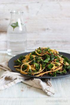 lehtikaalipasta Veggie Recipes, Vegetarian Recipes, Dinner Recipes, Cooking Recipes, Healthy Recipes, I Love Food, A Food, Good Food, Yummy Food