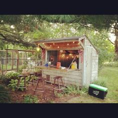 Forget Man Caves, Backyard Bar Sheds Are the New Trend. This Gorgeous DIY Proves It. Forget Man Caves, Backyard Bar Sheds Are the New Trend Backyard Bar, Backyard Sheds, Outdoor Sheds, Outdoor Bars, Rustic Backyard, Backyard Lighting, Backyard Retreat, Backyard Chickens, Barbacoa Jardin