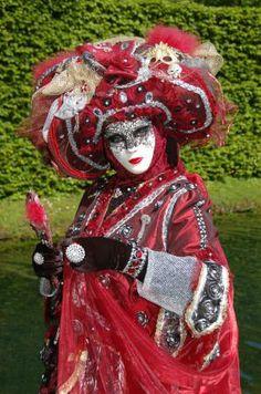 Costumés de Venise aux Jardins d'Annevoie | ArdenneWeb