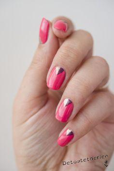 Nail art triangles pailletés