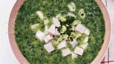 Trænger du til et skud vitaminer? Det får du i denne velsmagende grønkålssuppe.Få opskriften på grønkålssuppe med skinke og pasta her