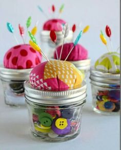 You have to see Mason Jar Pin Cushion Tutorial on Craftsy! - Looking for sewing project inspiration? Check out Mason Jar Pin Cushion Tutorial by member Sugar Pie Chic. Pot Mason Diy, Mason Jar Gifts, Mason Jars, Mason Jar Candy, Gift Jars, Canning Jars, Sewing Hacks, Sewing Crafts, Sewing Projects