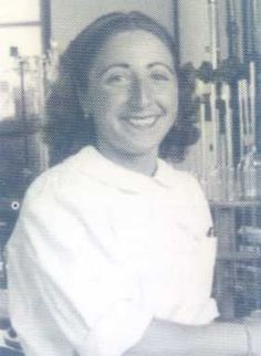 SARA BORRELL (Madrid, 1917-1999). Doctora en Farmacia y profesora de investigación del CSIC. Experta en estudios bioquímicos y clínicos de hormonas esteroides. Introdujo en España conocimientos y técnicas extranjeras como la píldora anticonceptiva. Trabajo en el Instituto de Endocronología Experimental, que dirigía Gregorio Marañón. Fue nombrada Jefa de la Sección de Esteroides del Instituto Marañón y directora de éste. Se trasladó al Instituto Cajal.