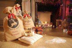 Les hottes de Noel, personnalisées, en toile de jute. #noel #cadeauxnoel #noeldeco #enfants #perenoel #cheminée #noel2017 #noelbricolage