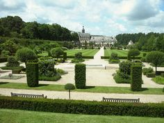 This type of garden is called Formal Garden and is located at the Abbaye de Valloires, Picardy and laid out by    Gilles Clement in 1987.