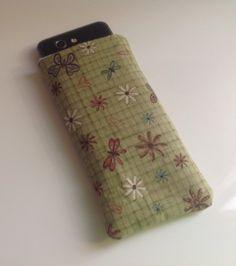 Porta cellulare in stoffa con imbottitura : Astucci portatili di creazioni-di-paola
