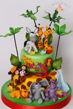 EDITOR'S CHOICE (10/16/2014) Sweet Jungle by Viorica Dinu View details here: http://cakesdecor.com/cakes/162214-sweet-jungle