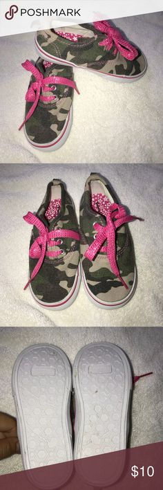Adorable Toddler Camo Toddler Girls Shoes Pink 9 Only worn once for a photoshoot. Like new Camo sneakers with pink shoelaces. Super adorable and comfy for your best girl. Size 9. Shoes Sneakers
