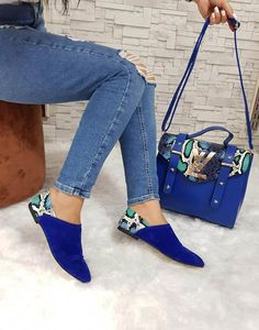 Louis Vuitton in 2020 Fashion Bags, Fashion Shoes, Womens Fashion, Cute Shoes, Me Too Shoes, Shoe Boots, Shoe Bag, Louis Vuitton Handbags, Beautiful Shoes