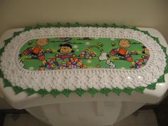 Aunt Roo's MINI Charlie Brown Easter fabric w/ crocheted edging for toilet tank or small shelf...