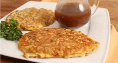 Pork Egg Foo Young with Brown Gravy - A typical pork egg fu yung that you would find on the menu of many Chinese restaurants. It contains pieces of pork, bean sprouts and spring onions and is served with a brown gravy made with chicken stock, soy sauce and oyster sauce. - http://aussietaste.recipes/meat/pork/pork-egg-foo-young-with-brown-gravy/