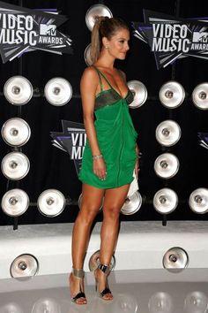 2011 MTV VMAs: Maria Menounos in Giuseppe Zanotti Mirror Cuff sandals.