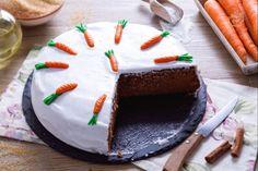 La torta di carote all'inglese è uno dei classici dolci a base di carote grattugiate che potrete gustare visitando l'Inghilterra!