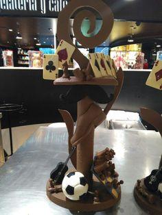 Escultura de chocolate, día del padre