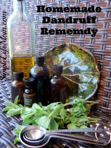 Homemade Dandruff Remedy - Stop dandruff naturally with this homemade recipe with essential oils