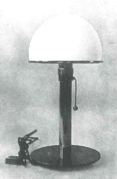 Wagenfeld Lampe (1924)