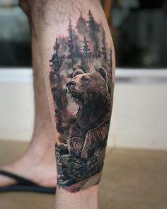 Urso .Primeira sessão cover-up no meu amigo @autoeletrobortolucci valeu pela confiança #urso #ursotattoo #beard #beardtattoo #realismo #realisticink #realistic #realism #tattoo #tatuagem #pauloangoti #eletrickink #tattoo2me #coruntattoomachine #thecolorstattoo #thebesttattooartists #inked | Artist: @jardeltattoo Mountain Sleeve Tattoo, Tree Sleeve Tattoo, Tree Tattoo Men, Tattoo Sleeve Designs, Sleeve Tattoos, 10 Tattoo, Tattoos Masculinas, Native Tattoos, Cool Tattoos