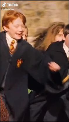Harry Potter Triste, Magia Harry Potter, Arte Do Harry Potter, Harry Potter Feels, Harry Potter Tumblr, Harry James Potter, Harry Potter Hermione, Harry Potter Pictures, Harry Potter Universal