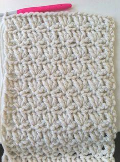 tours de cou - snoods - Bonnets et Echarpes au Crochet Crochet Snood, Bonnet Crochet, Diy Crochet, Bandeau Crochet, Knitting Stitches, Beige, About Me Blog, Bonnets, Images