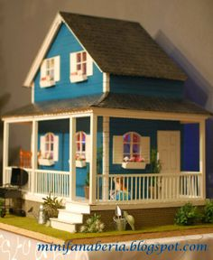 My miniature handmade dollhouse in one inch scale (1:12)