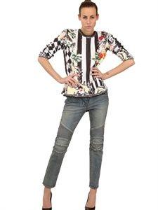 The cutest $600 sweatshirt a girl could find. #BalmainMe Wardrobe Closet, The Fresh, Balmain, Capri Pants, Punk, Sweatshirts, Techno, Clothes, Printed