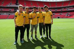 One Direction - Fotos - VAGALUME