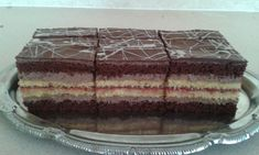 Pralinkové rezy Czech Recipes, Ethnic Recipes, Tiramisu, Cake, Food, Pie, Kuchen, Cakes, Tiramisu Cake