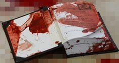 xX- It was covered in blood for a reason. After all, the secrets inside were deadly.