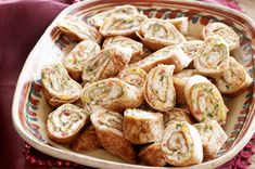 Baked Mexican Pinwheels – A bit of shredded Mexican-style cheese gives these yummy pinwheels their south-of-the-border flavor. Serve with sour cream, and this appetizer recipe is sure to be a hit! Finger Food Appetizers, Appetizers For Party, Appetizer Recipes, Snack Recipes, Cooking Recipes, Snacks, Yummy Recipes, What's Cooking, Dinner Recipes