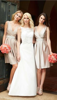 love this lace wedding dresses and short bridesmaid dresses