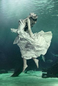 18 Beautiful Women Who Enjoy Underwater Photography - From Pinterest ★ See more: http://glaminati.com/beautiful-women-underwater-photography/