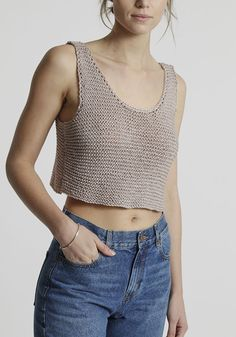 Ravelry: Woodstock Tank pattern by Wool and the Gang Débardeurs Au Crochet, Crochet Woman, Knitting Kits, Easy Knitting, Crochet Summer Tops, Vogue Knitting, Knitted Tank Top, Top Pattern, Crochet Clothes