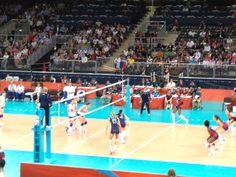 Volleyball girls ar SO TALL!