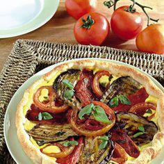 Pomodori, melanzane e peperoni: ecco come sfruttarli per una deliziosa torta salata data-pin-do=