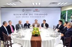 Durante una comida con la Cámara Mexicana de la Industria de la Construcción, que encabezó su presidente nacional, Luis Fernando Zárate Rocha, el mandatario instruyó a la Secretaría de Infraestructura y Obras Públicas (SIOP) establecer nuevos convenios de colaboración con diferentes delegaciones de la CMIC.