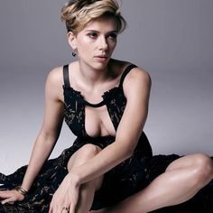 Scarlett Johansson see more click image Scarlett Johansson, Beautiful Celebrities, Beautiful Actresses, Hollywood Actresses, Actors & Actresses, Kino Theater, Black Widow Scarlett, Norma Jeane, Hollywood Walk Of Fame